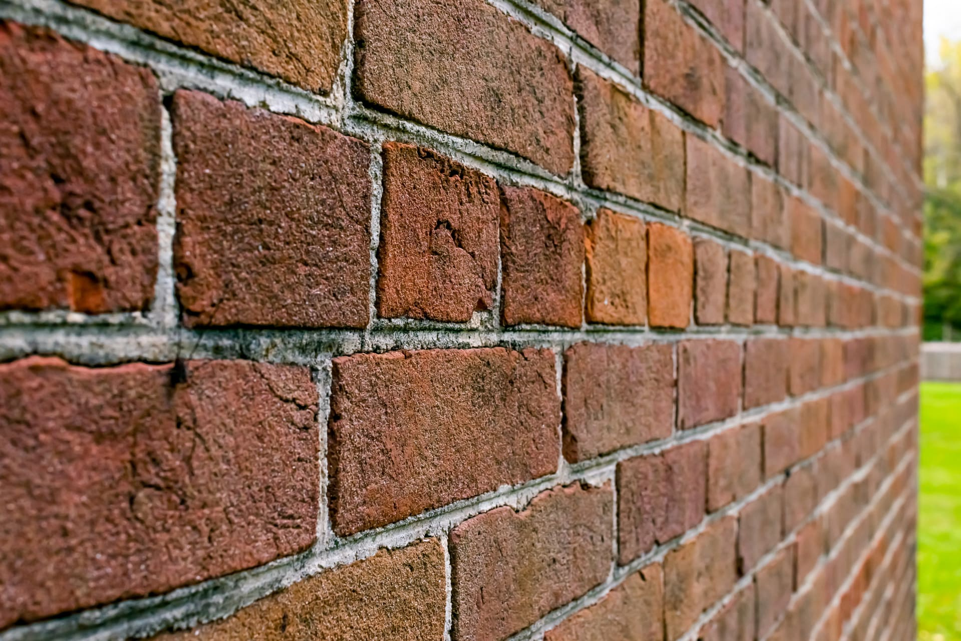 tuckpointing wall